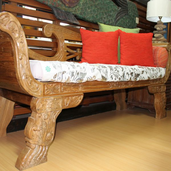 SCROLL ARCH BACK DAYBED